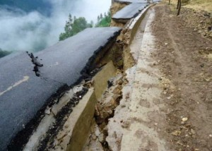 bad-engineering-collapsed-road-2