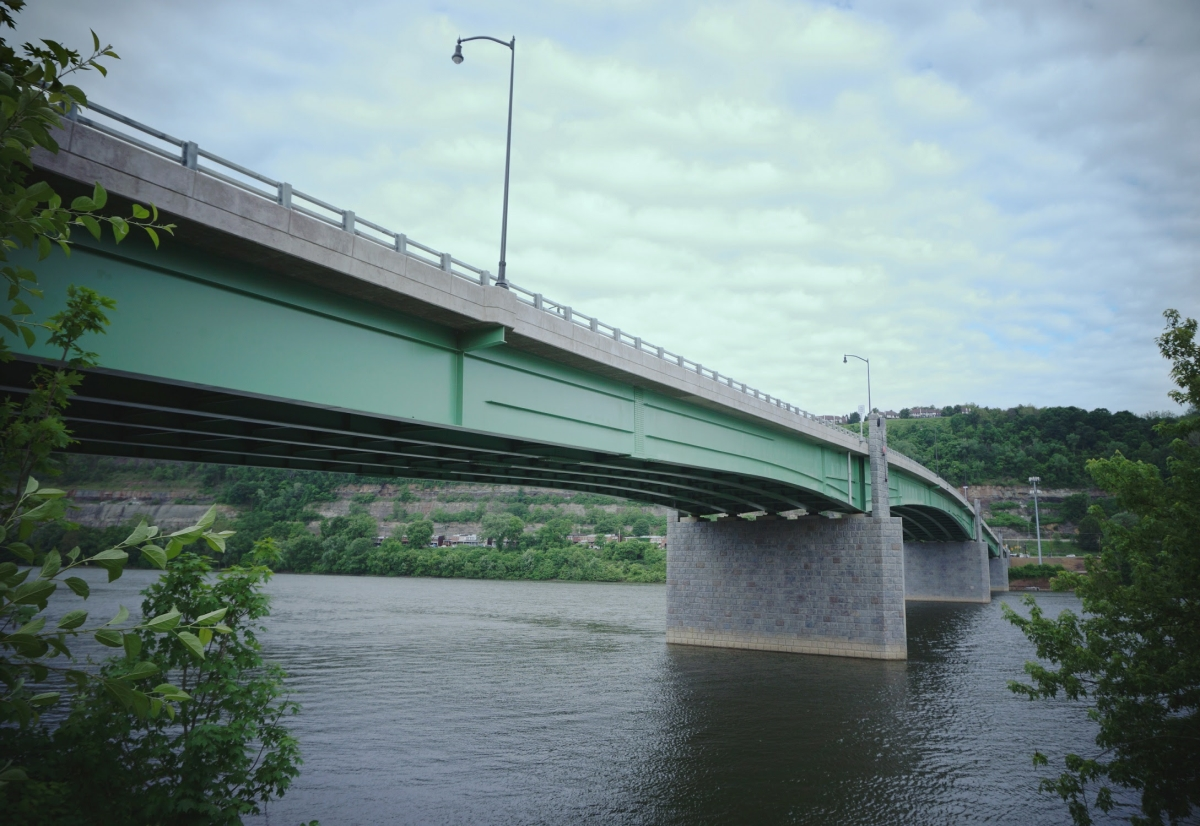 Optimized-The-Hulton-Bridge